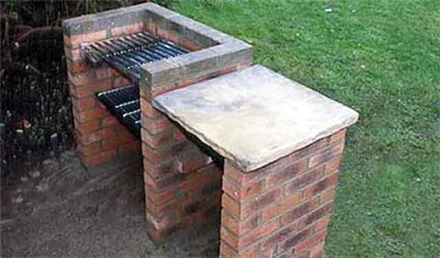 Построить уличный мангал на даче своими руками