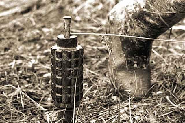 Взоне АТО двое военных подорвались нарастяжке: один умер