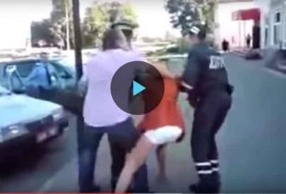 Белорусская милиция сбила спесь с пьяной россиянки (видео)
