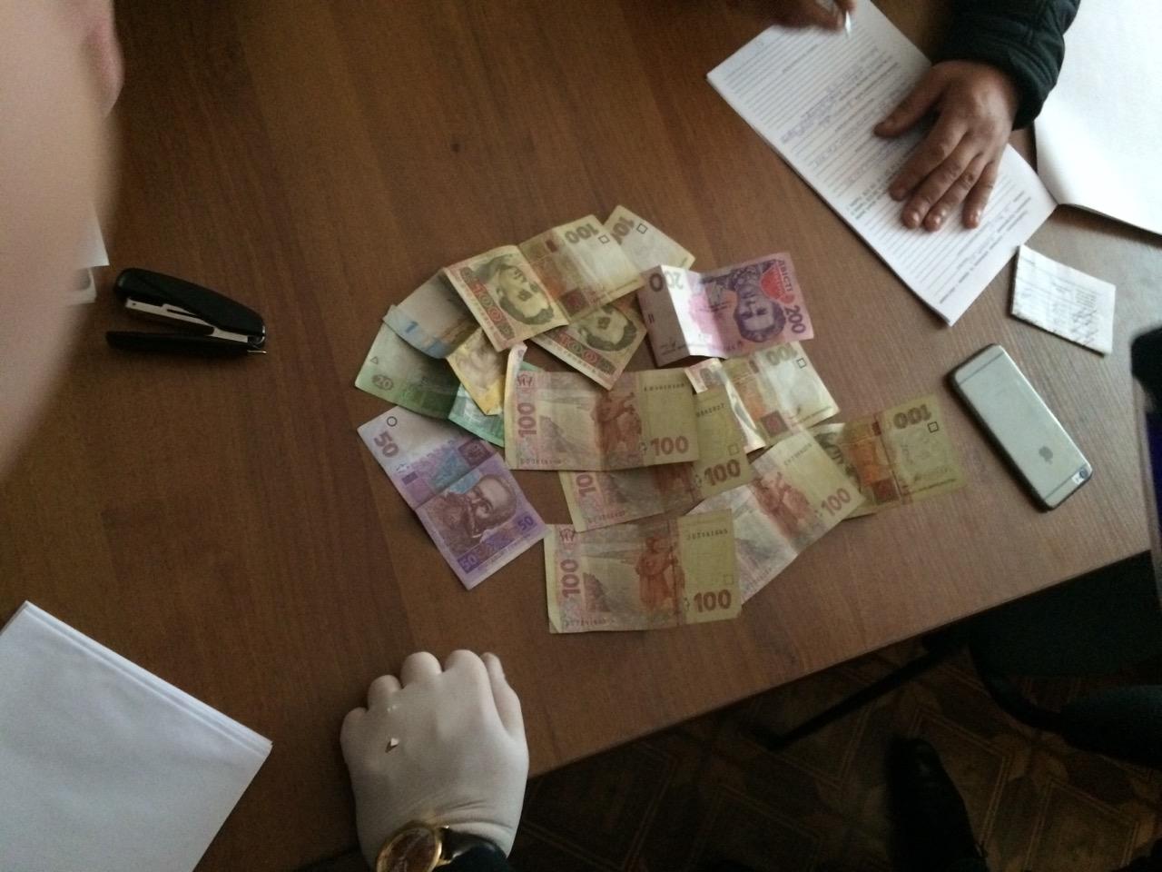 У Коломиї держслужбовця-хабарника покарали штрафом та на рік звільнили з посади