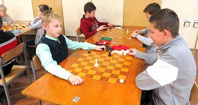 В Виннице презентовали новый вид шахмат — игру «Шахматные следы», фото-1