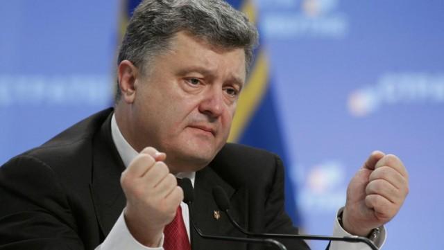 Порошенко: еще двое заключенных в РФ украинцев возвратятся домой