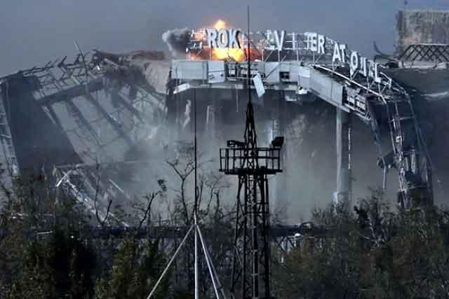 Украинские военные утверждают обогневом контроле над взлетной полосой ируинами ДАПа,