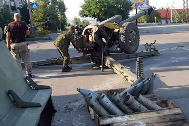 Сепаратист Ходаковский признал, что боевики ведут артиллерийский огонь изжилых кварталов