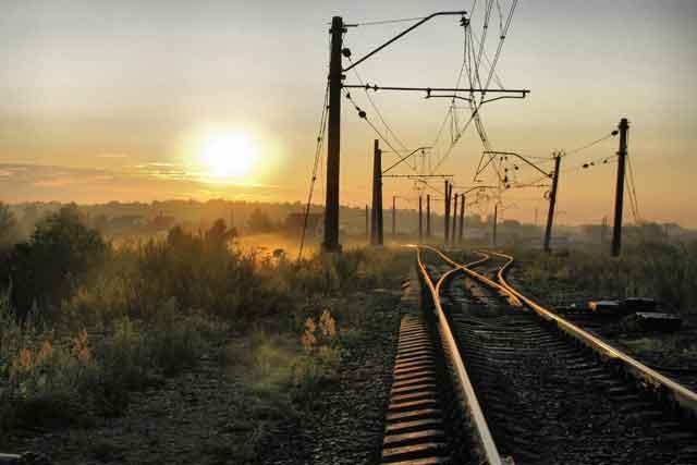 Под Винницей под колесами поезда трагически умер ребенок