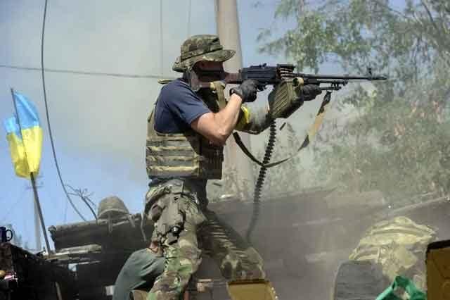 Штаб: Боевики палят посилам АТО изминометов, засылают диверсантов