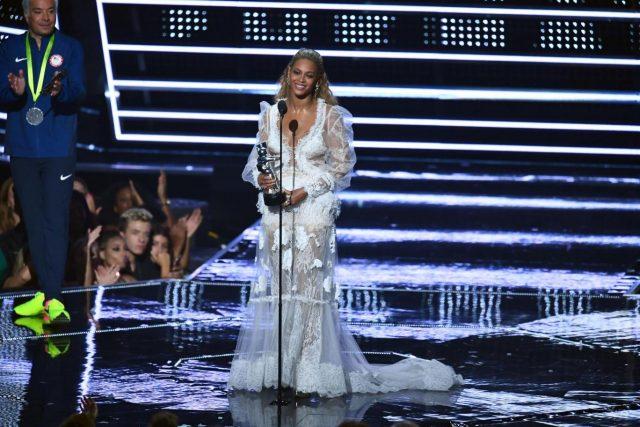 Клип Бейонсе признан лучшим видео наMTV Video Music Awards