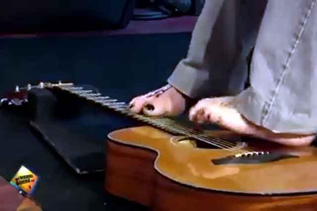 bezrukiu-gitara-2