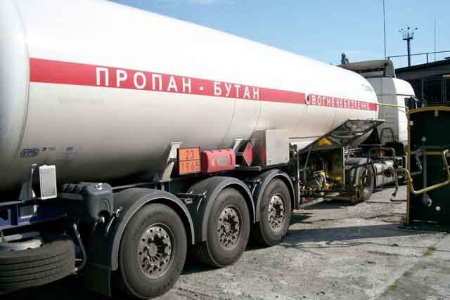 В «ЛНР» назаправках пропал бензин игаз,