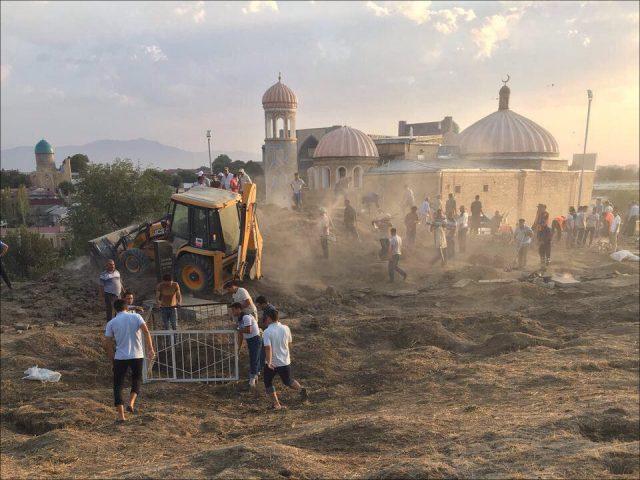 Государственный самолет стелом президента Узбекистана Ислама Каримова вылетел вСамарканд