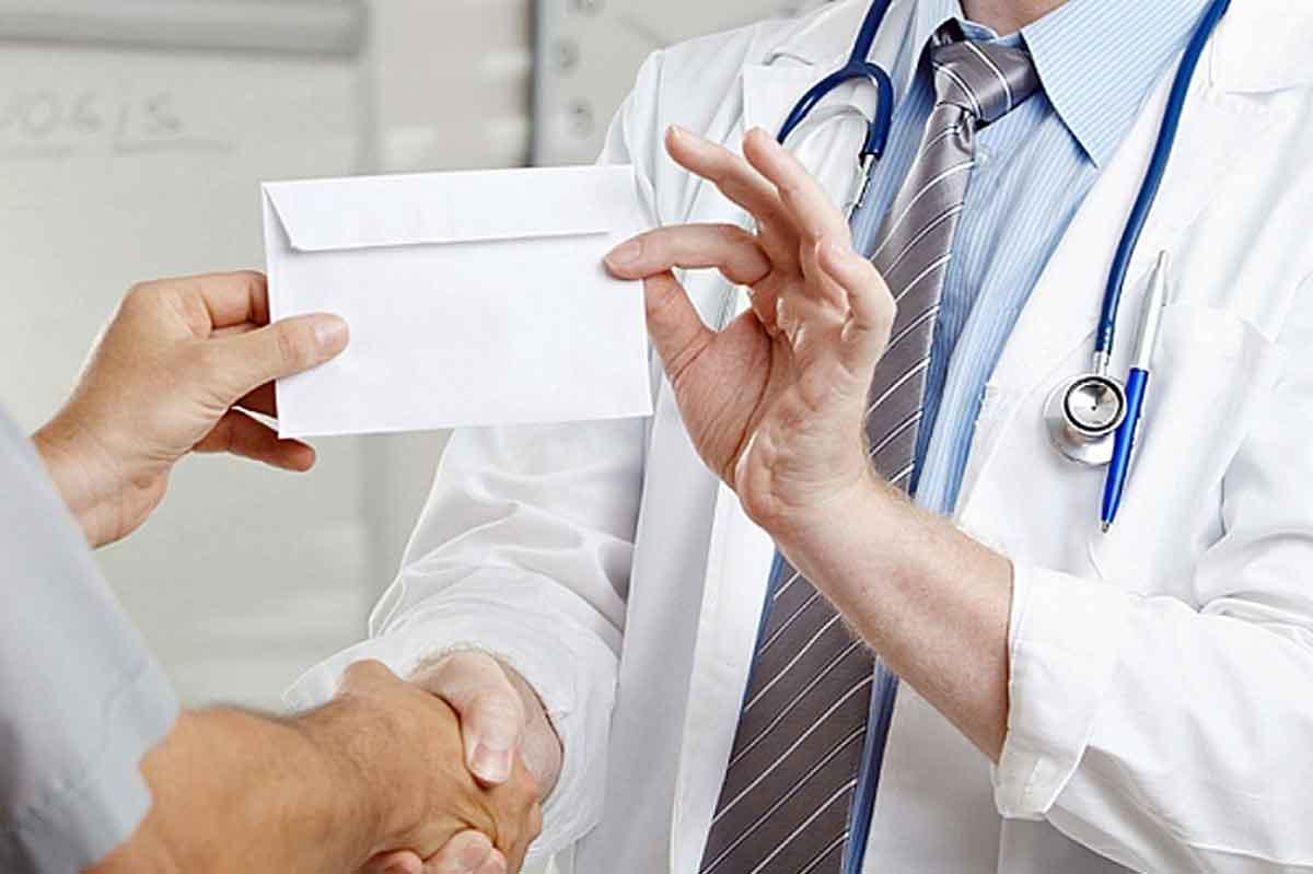 как давать взятку врачам однако