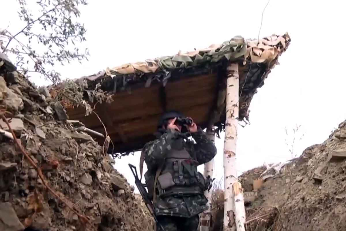 Штаб: Оккупанты обстреливают силы АТО изтяжелой артиллерии изениток