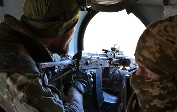 Ссамого начала суток террористы 27 раз обстреляли позиции сил АТО,— штаб