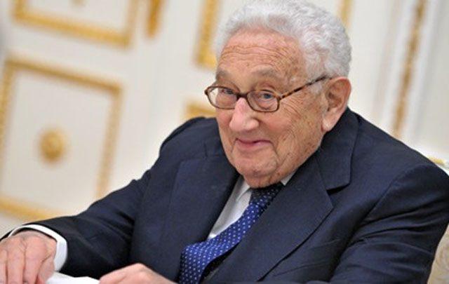 Кремль приветствует участие Киссинджера вналаживании отношений между Россией иСША