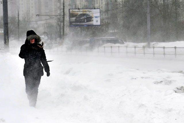 sneg-metel