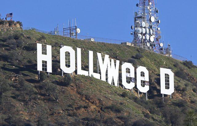 Неизвестный изменил надпись Hollywood вЛос-Анджелесе наHollyweed