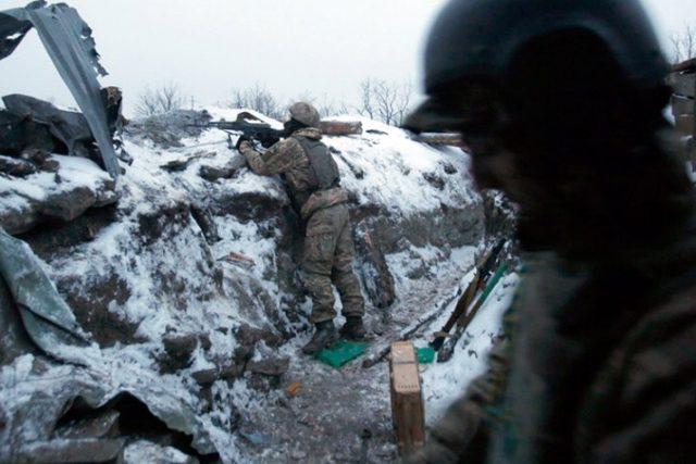 Боевики 73 раза открывали огонь: ранены четверо военных