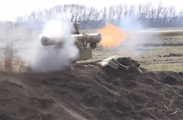 Около Троицкого вЛуганской области в итоге обстрела ранен военный