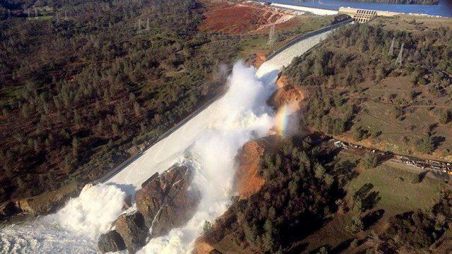 ВКалифорнии сохраняется угроза прорыва самой высокой плотины США
