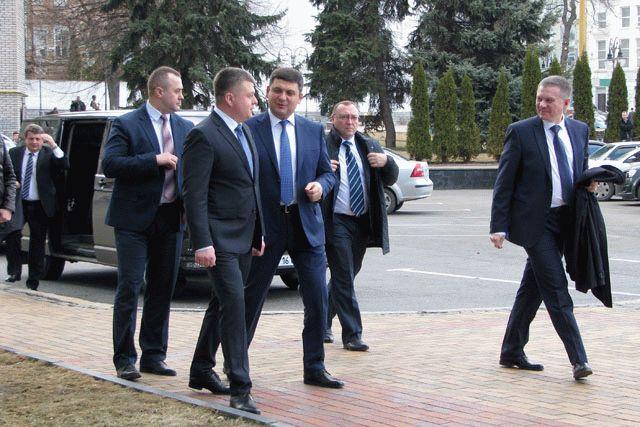 Гройсман поведал омиллиардных убытках отблокады Донбасса