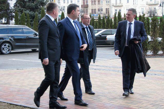 Украина каждый месяц теряет до4 млрд грн отблокады Донбасса,— Гройсман
