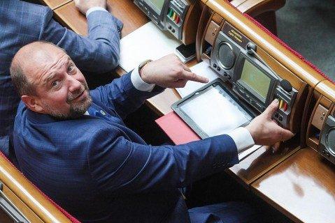 Мельничук объявил, что украинский парламент превратился в«чебуречную»