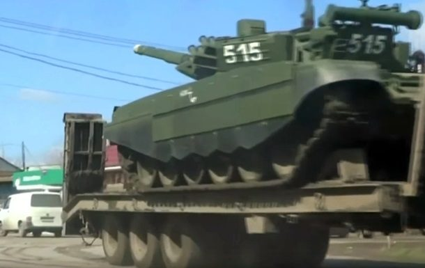 Reuters снял десятки танков вРФ около украинской границы