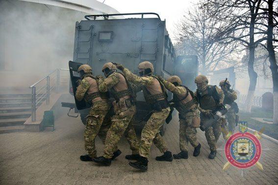 Штаб АТО: Засутки ранены двое бойцов