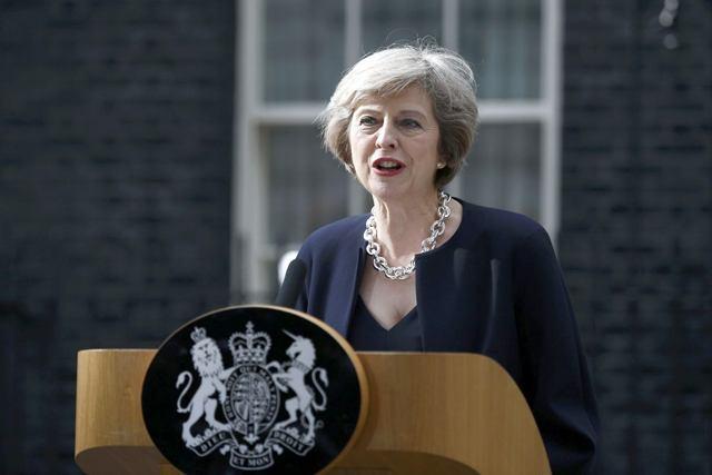 Премьер Англии попросит парламент объявить досрочные выборы