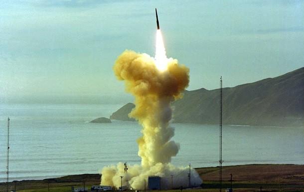 США запустили баллистическую ракету, поразившую цель нарасстоянии 6 тыс. километров