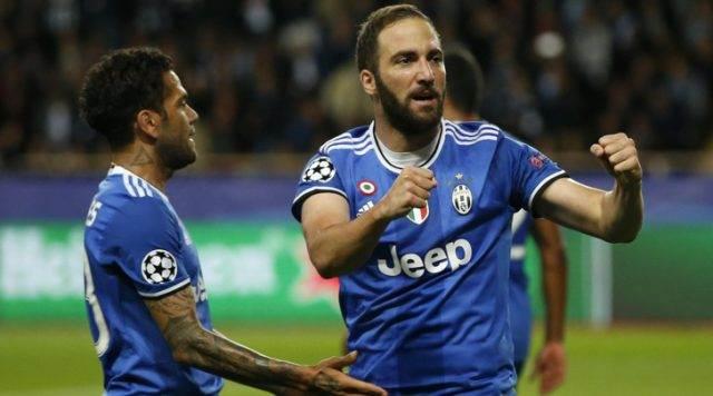 Дубль Игуаина принес «Ювентусу» победу над «Монако»