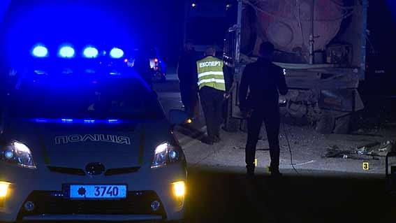 ВВинницкой области случилось смертельное ДТП: вседорожный автомобиль столкнулся сКамАЗом
