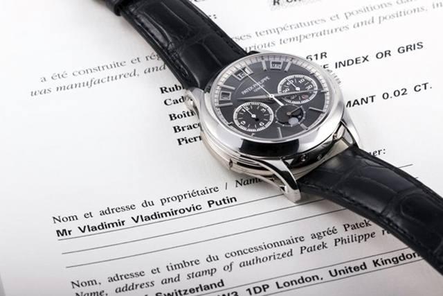 Песков прокомментировал реализацию за млн евро «часов Путина»