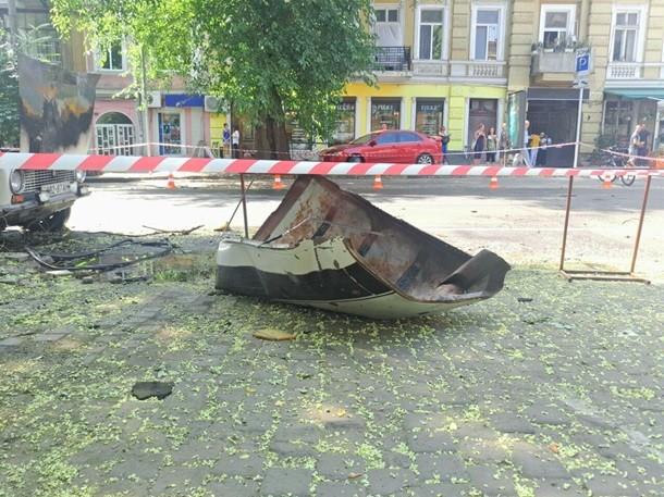 ВОдессе взорвалась машина. Пока нет никакой информации ижертвах