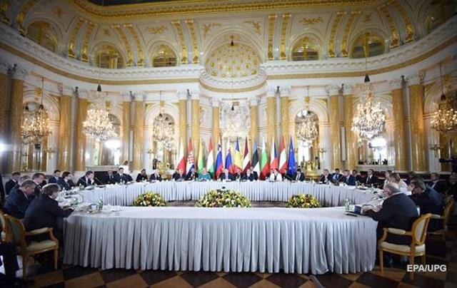 Украинское государство непригласили насаммит вВаршаве из-за ЕС— дипломат