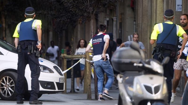 Вубежище террористов вБарселоне отыскали взрывчатку «Мать Сатаны»