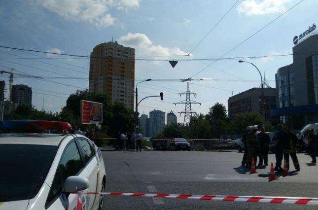 ВИзмаиле взорвали автомобиль полицейского, пострадали его супруга идочь