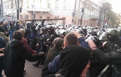 Впроцессе стычек появились первые пострадавшие— Митинг под Радой