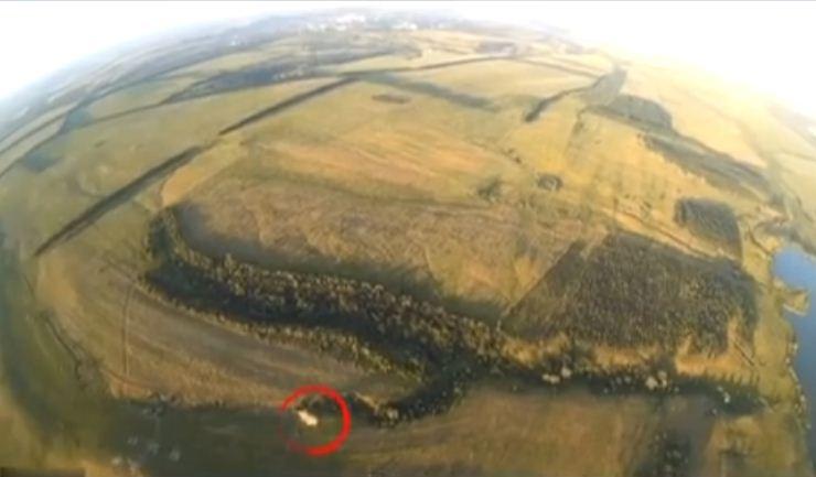 Всети интернет показали, как силы АТО подбили танк боевиков наДонбассе