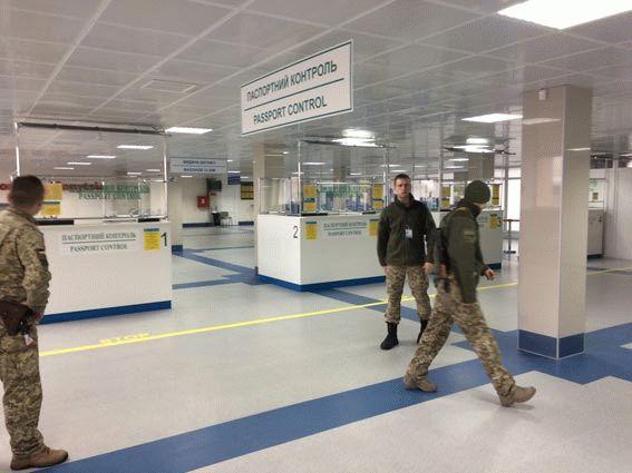 МВД Украины проверяет сообщение оминировании 9 аэропортов