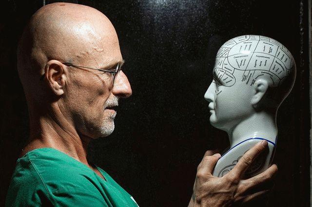 Первая вмире трансплантация головы человека удачно завершена в КНР