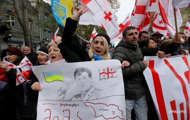 Тбилиси неотменил запрос наэкстрадицию Саакашвили