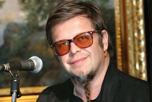 В тяжелом состоянии госпитализирован известный рок-музыкант