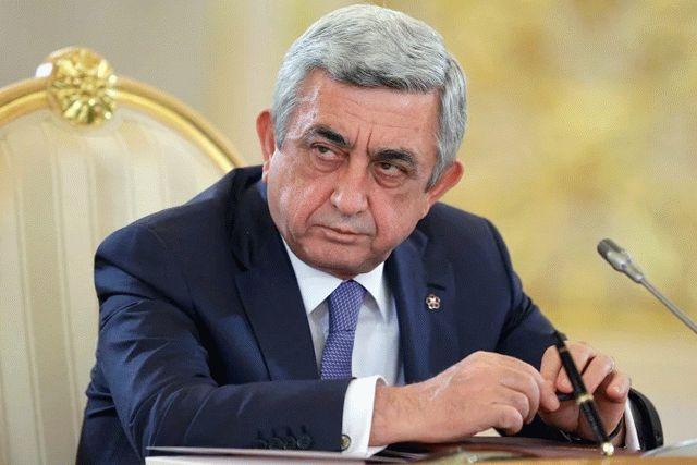 Под давлением протестов Серж Саргсян подал вотставку