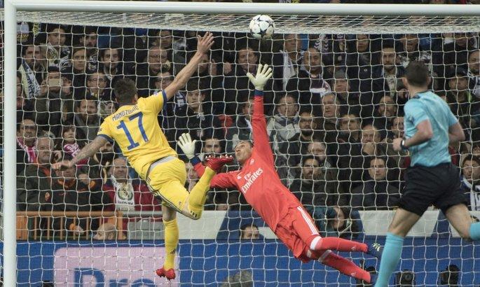 Драма наСантьяго Бернабеу: «Реал» соскандалом выходит вполуфинал