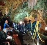 Подростки Застряли В Пещерах Таиланда-11
