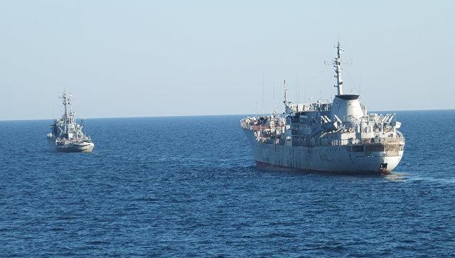 Корабли ВМС Украины идут вАзовское море через Керченский пролив