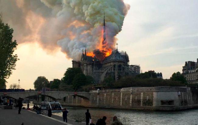 Токаев в twitter: Выражаю искреннее сочувствие Президенту и народу Франции